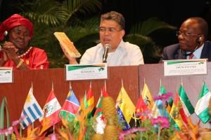 Canciller presenta libro del Viceministro Bolívar
