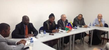 Vicecanciller de Namibia en conversatorio